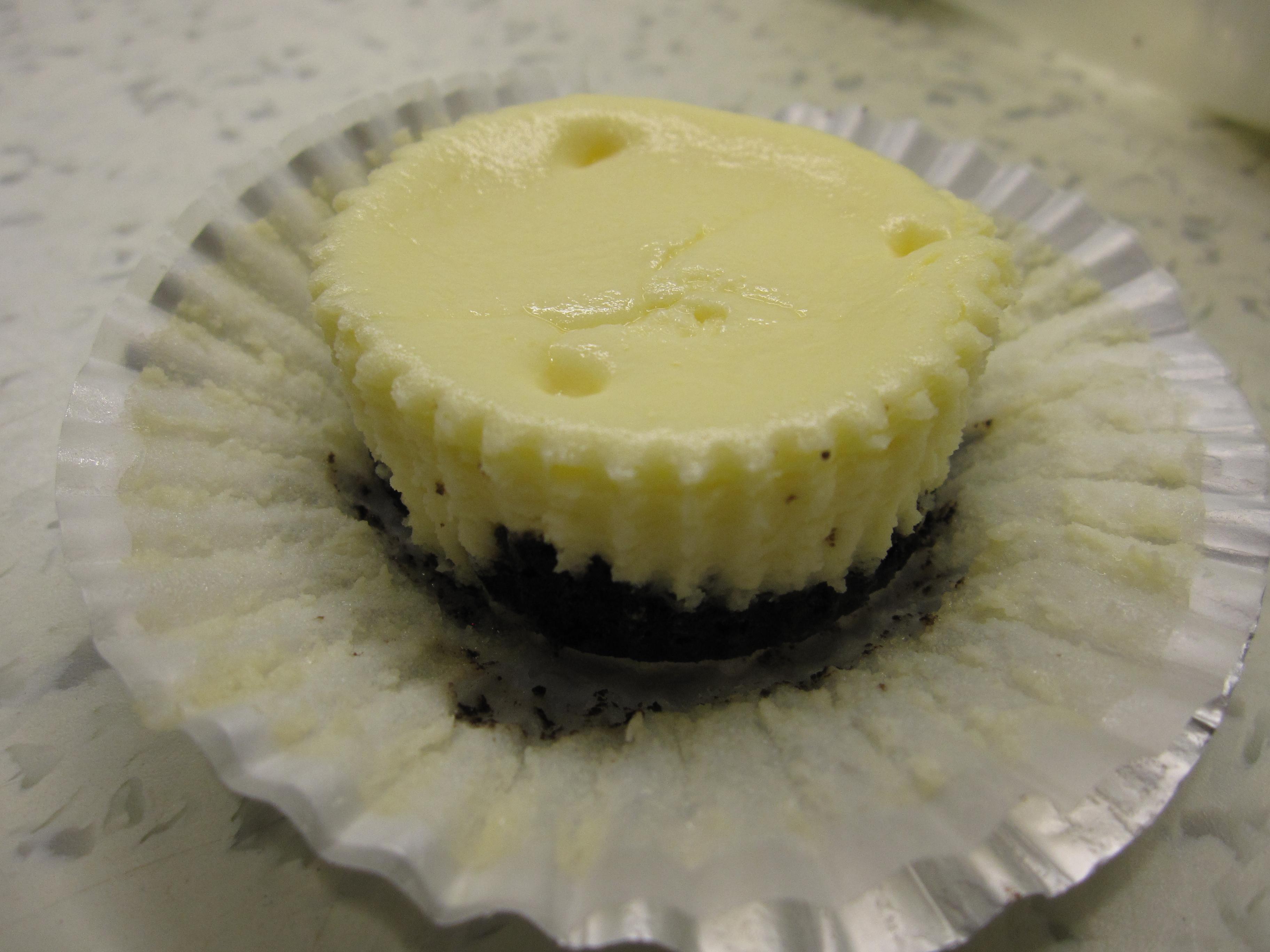 Mini Cheesecakes With An Oreo Crust I Am A Honey Bee