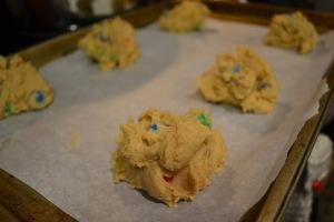Giant Peanut Butter Pretzel M&M cookies_04