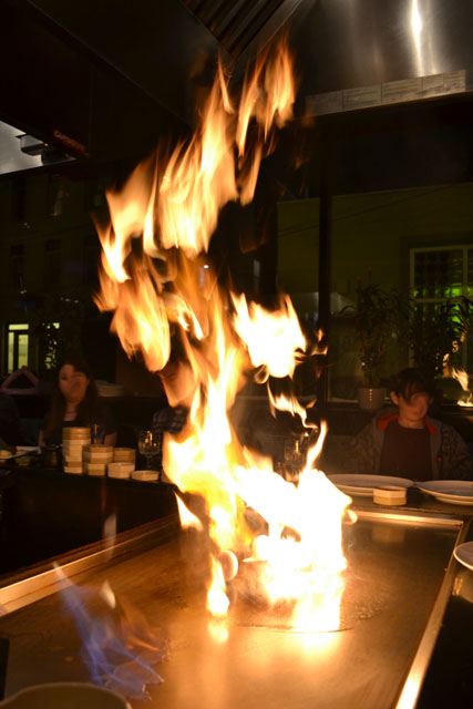 Osaka_hibachi flame up