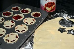 Super Simple Mini Cherry Pies_03