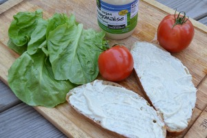 open faced tomato sandwich_02