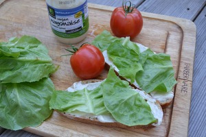 open faced tomato sandwich_03
