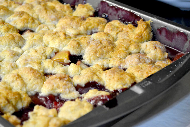 Peach and Blueberry Cobbler | I am a Honey Bee