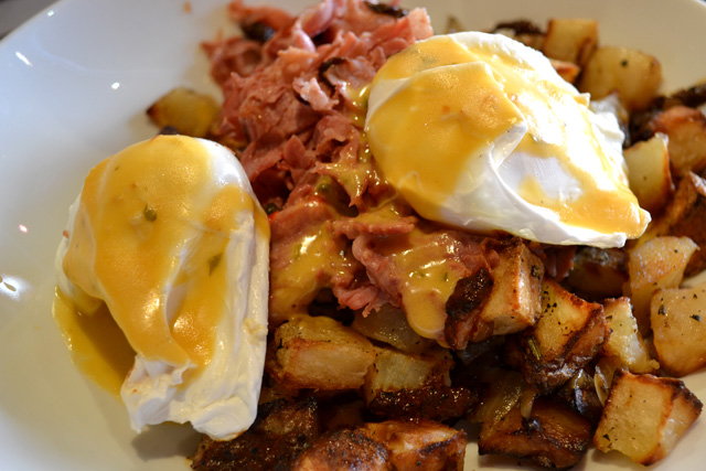 Tip Tap Room_Corned Beef Hash_02