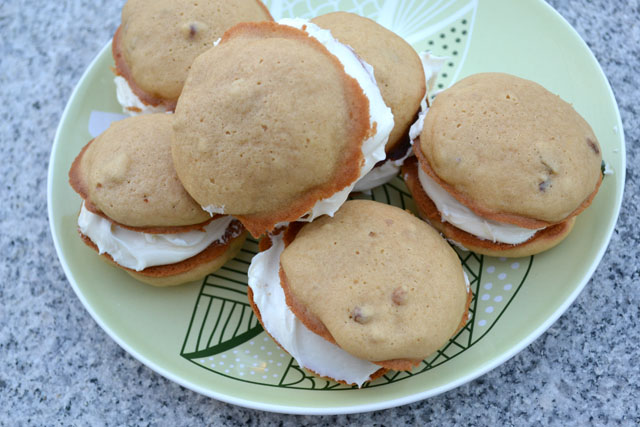 Maple Walnut Whoopie Pies_01
