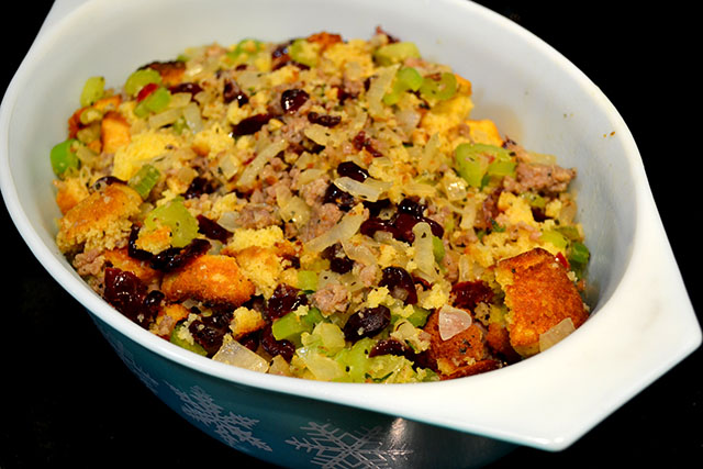 Cornbread and Sausage Stuffing | I am a Honey Bee