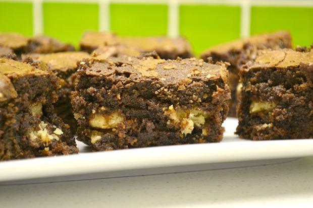 Hidden Samoa Cookie Brownies_01