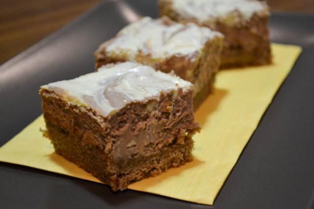 Swirly Cheesecake Bars-3