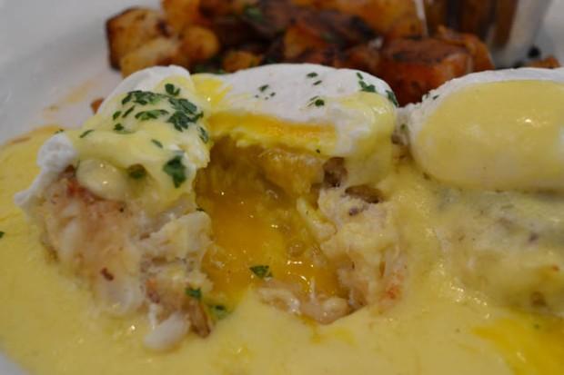 The Cottage_Eggs Benedict-6