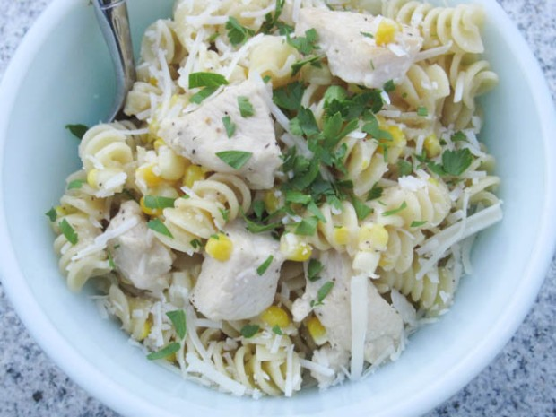 Fusilli with Fresh Corn and Chicken in a Garlic Cream Sauce-03