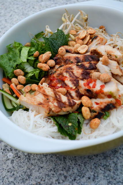 Grilled Chicken Vermicelli Bowl-5