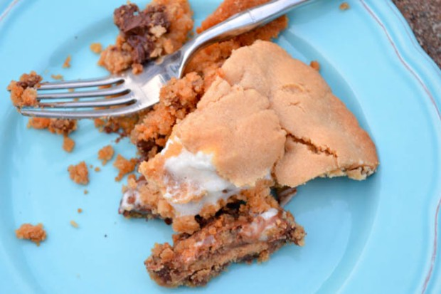 Reese's Cup Marshmallow Peanut Butter Cookie Pie-2
