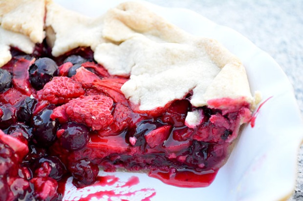 Mixed Berry Rustic Pie_02