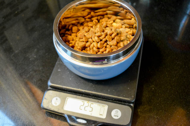 How Much Food Does Oz Of Dog Food Hold