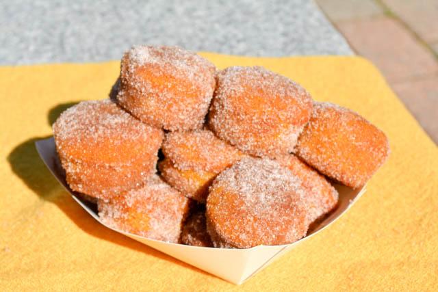 Mini Pumpkin Mini Muffins-4