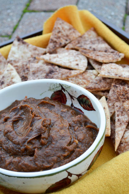 Walnut Pumpkin Dip with Pie Crisps-1