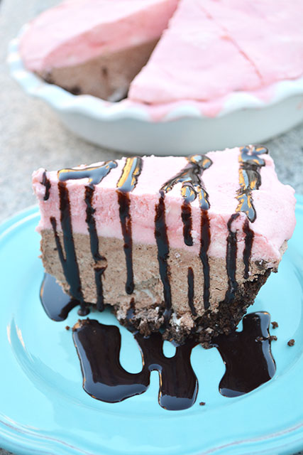 No-Bake Chocolate Candy Cane Pie