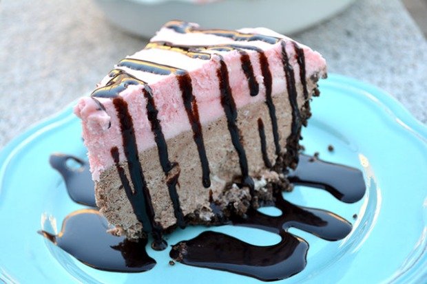 No-Bake Chocolate Candy Cane Pie_3