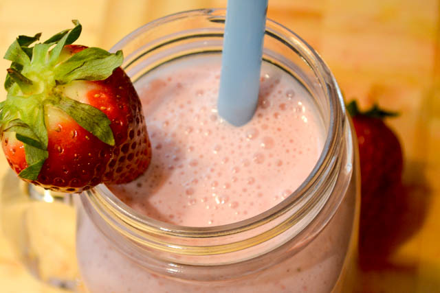 Peanut Butter and Jelly Smoothie-3