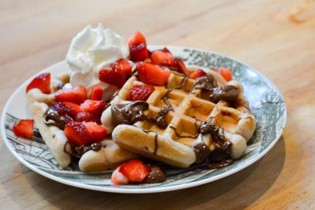 Strawberry Nutella Waffles-1