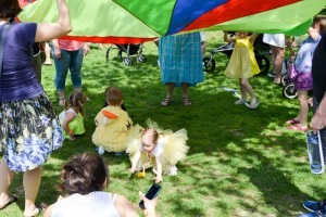Make Way for Ducklings Parade 2015-11