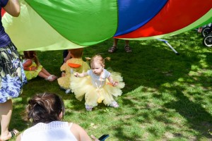 Make Way for Ducklings Parade 2015-12