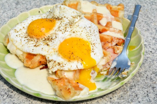 Croque Madame Puffle Waffles-4
