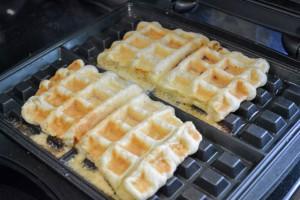 Croque Madame Puffle Waffles-8