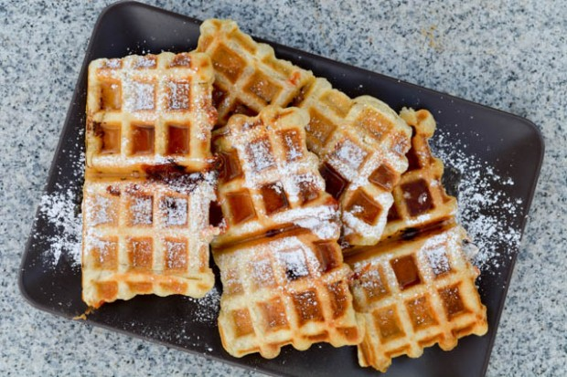 Guava & Cream Cheese Puffle Waffle-1