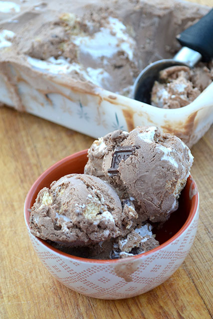 Chocolately S'mores Ice Cream_04