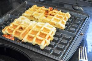 Guava & Cream Cheese Puffle Waffle-11