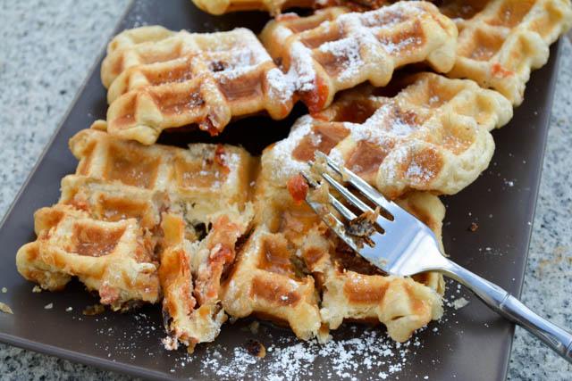 Guava & Cream Cheese Puffle Waffle-3