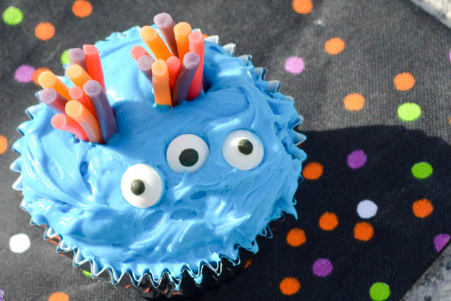 Halloween Monster Cupcakes-1
