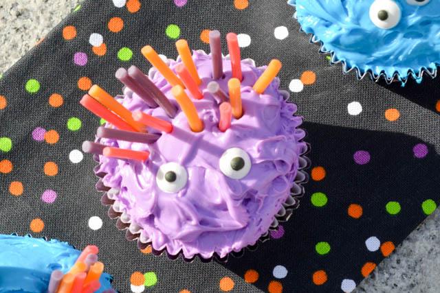 Halloween Monster Cupcakes-4
