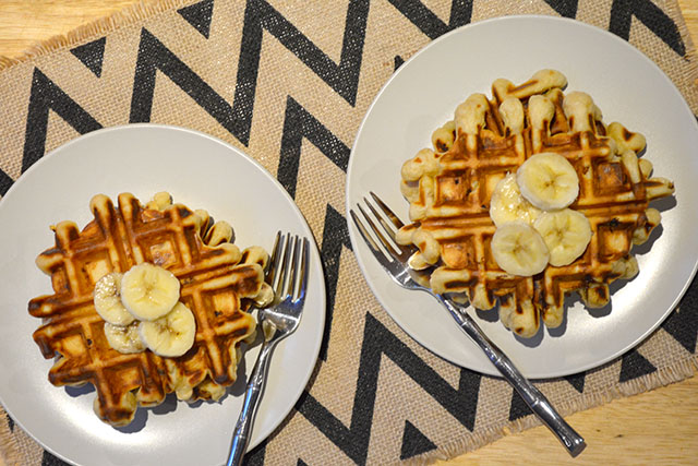Peanut Butter Banana Waffles For Two_03