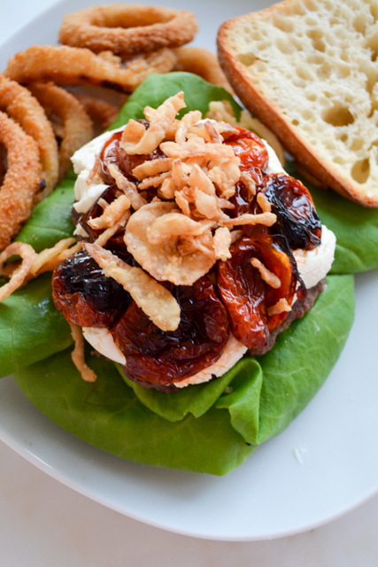 Mega Burger with Goat Cheese and Slow Roasted Tomatoes_02