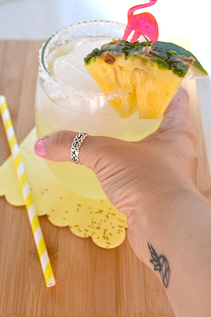 Sparkling Pineapple Coconut Margaritas_02