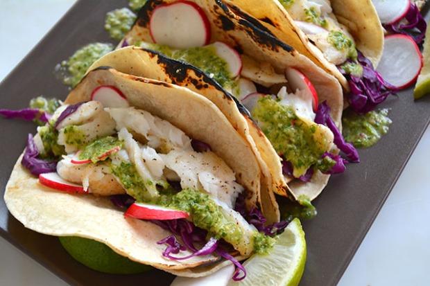 15 minute fish tacos w chimichurri sauce_03