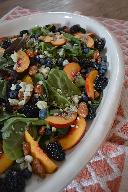 Nectarine and Berry Topped Salad with Pecans and Gorgonzola_02