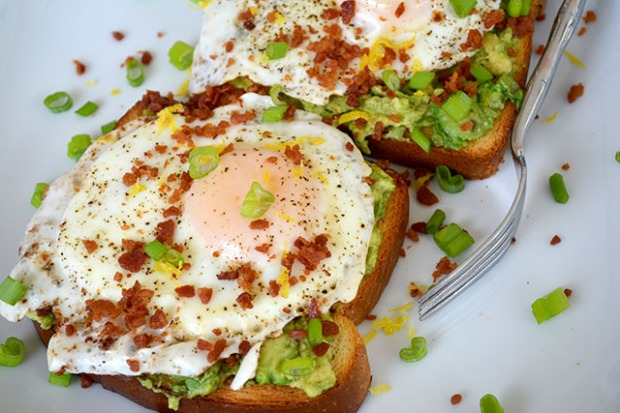 bacon-dusted-egg-topped-avocado-toast_01