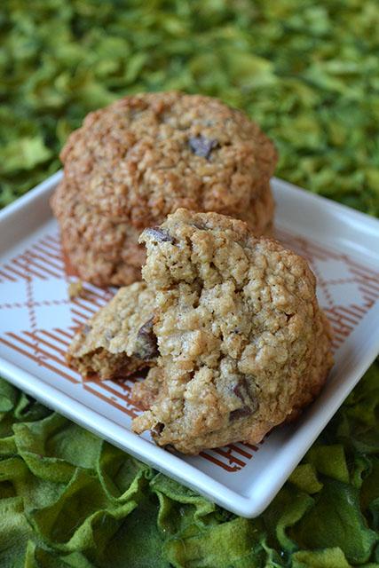 chocolate-chunk-oatmeal-crunch-cookies