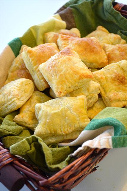 guava-and-cream-cheese-turnovers-guava-pastelillos_02