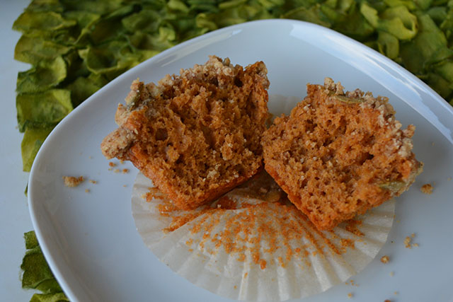 pumpkin-muffins-with-crumble-topping_02