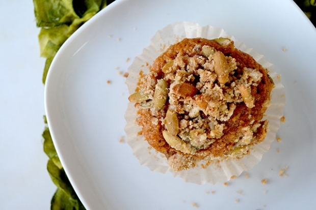 pumpkin-muffins-with-crumble-topping_04