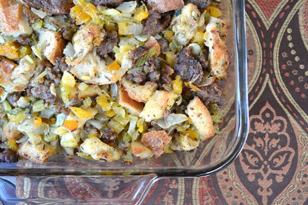 apricot-and-sausage-stuffing_01
