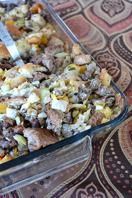 apricot-and-sausage-stuffing_02