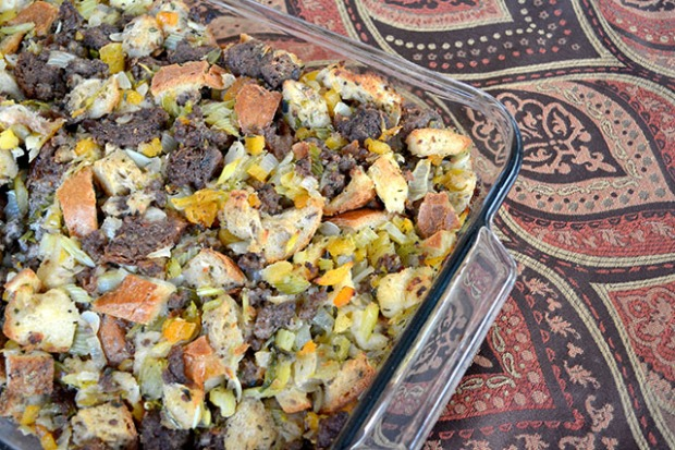 apricot-and-sausage-stuffing_04