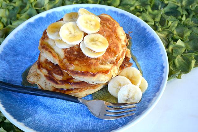 Browned Butter Buttermilk Banana Pancakes | I am a Honey Bee